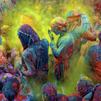 Great Atmosphere - Festival of Colours in India