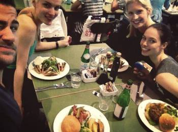 Annewil having diner with her friends at 'God Save The Food' in Milan