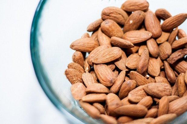 Jana Voyvodich's favourite healthy snack: unsalted almonds. Copyright: Flickr/Levente Bodo