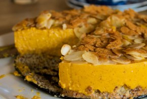 No cheese pumpkin 'cheesecake' with caramel