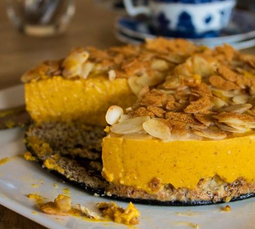 No cheese pumpkin 'cheesecake' with caramel