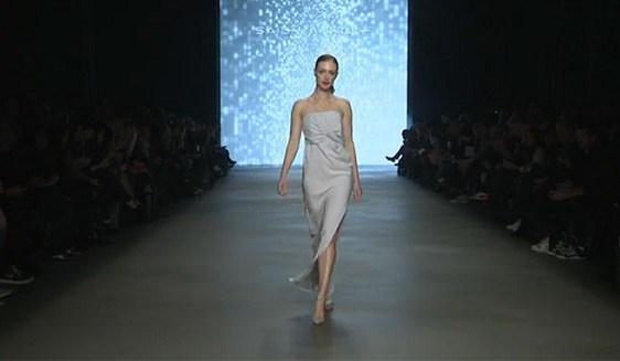Angela Willemse for Said Mahrouf at Mercedes Benz Fashion Week Amsterdam. Copyright: FashionAddict.nl