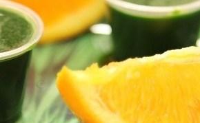 Beautiful skin with green wheatgrass juice. Copyright: http://squeezejuicecafe.wordpress.com/