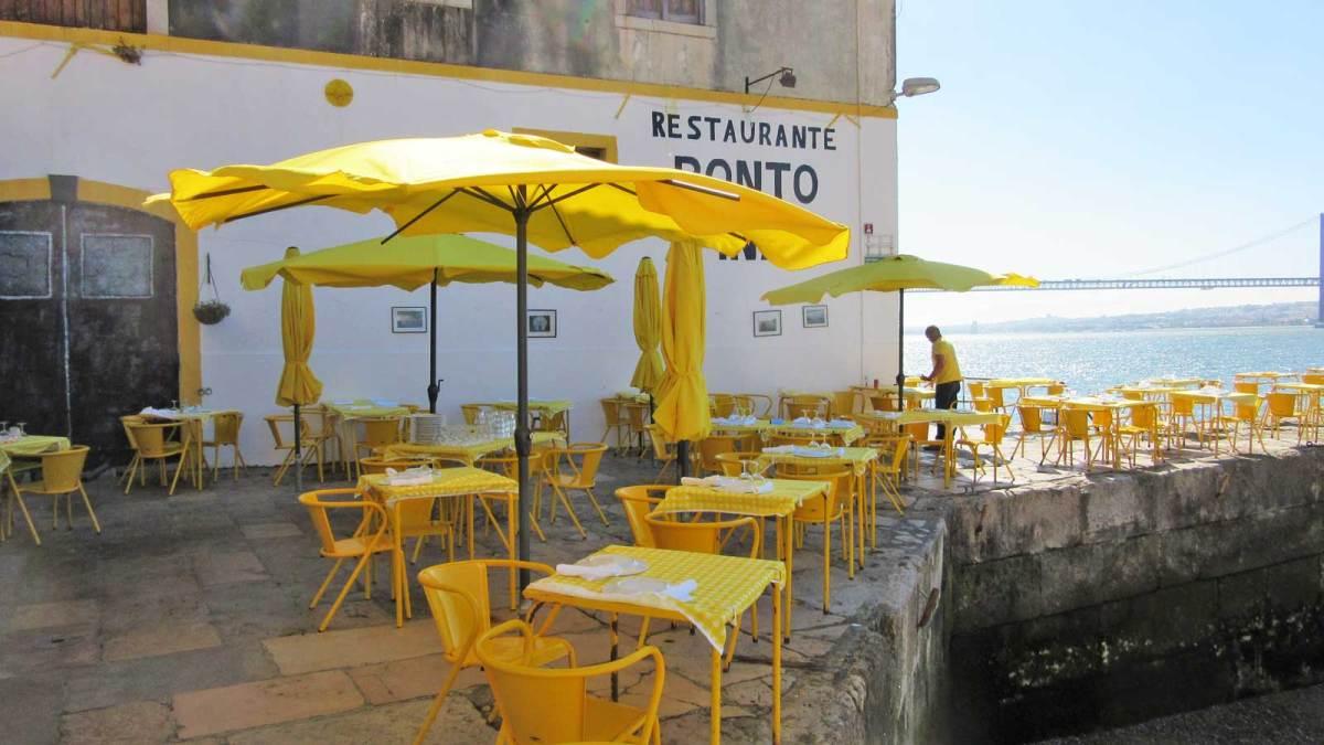 Lisbon_river-restaurant-2