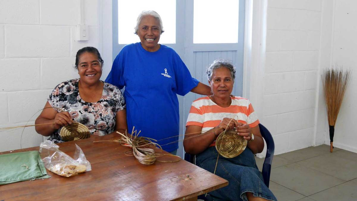 Niue-basket-weavers