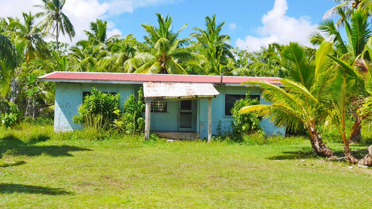 niue-old-house