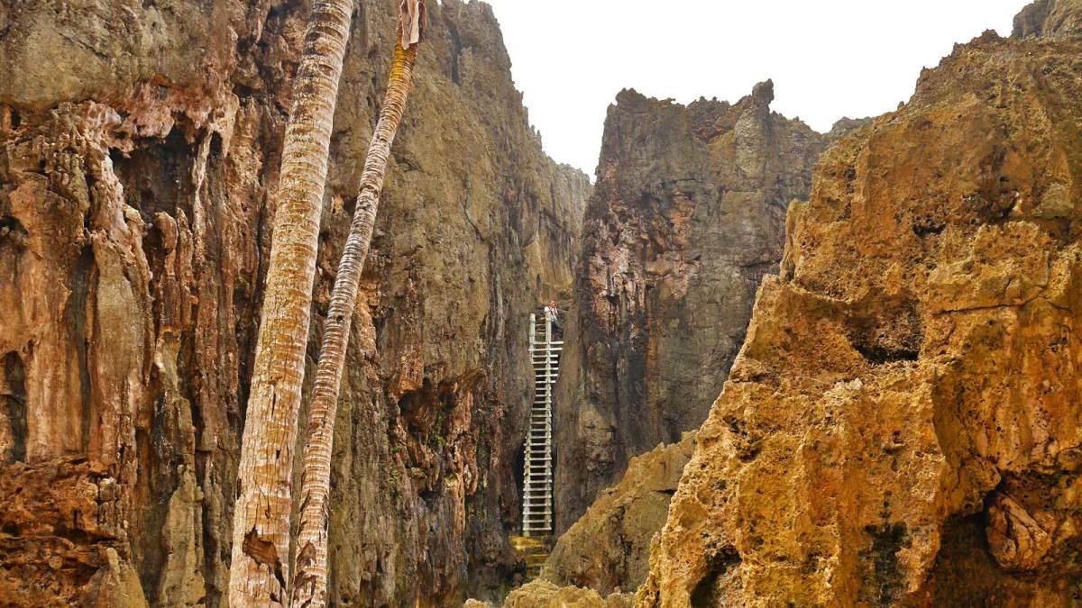 niue-togo-chasm-3