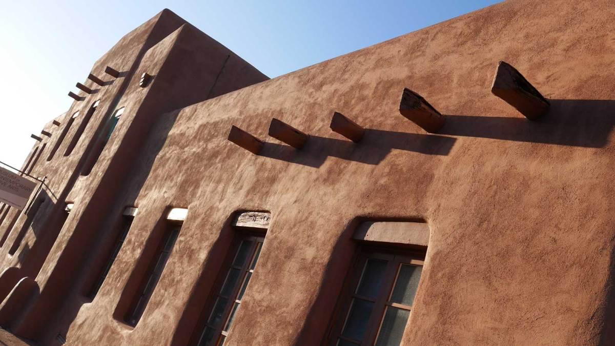 santa-fe_adobe-building-7