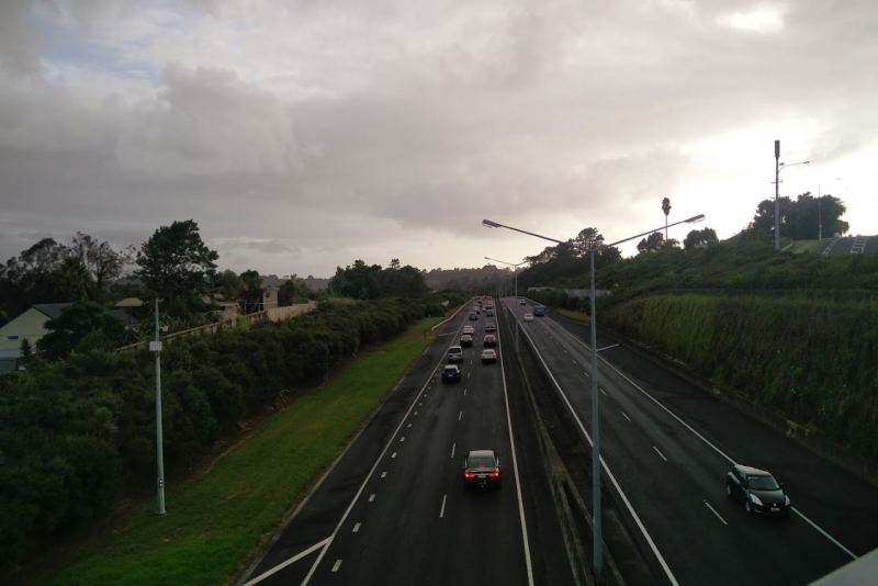 SH18 Congested - Tauhinu Rd