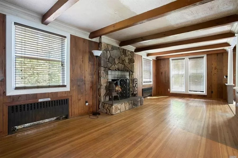House for sale at 96 Seatuck Ave, Eastport, NY.