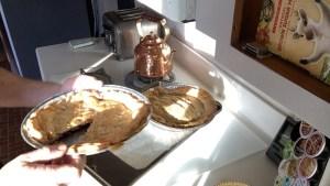 Making Garden Huckleberry Pie | Making Wonder Berry Pie