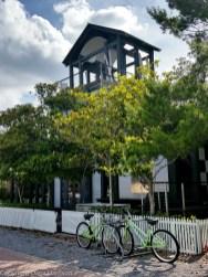 Seaside House Green Bikes