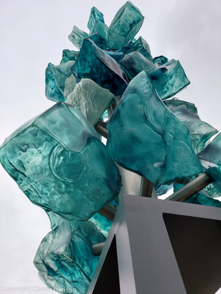 Chilhuy-Blue-glass-closeup-Tacoma-Washington-Tacoma-Washington