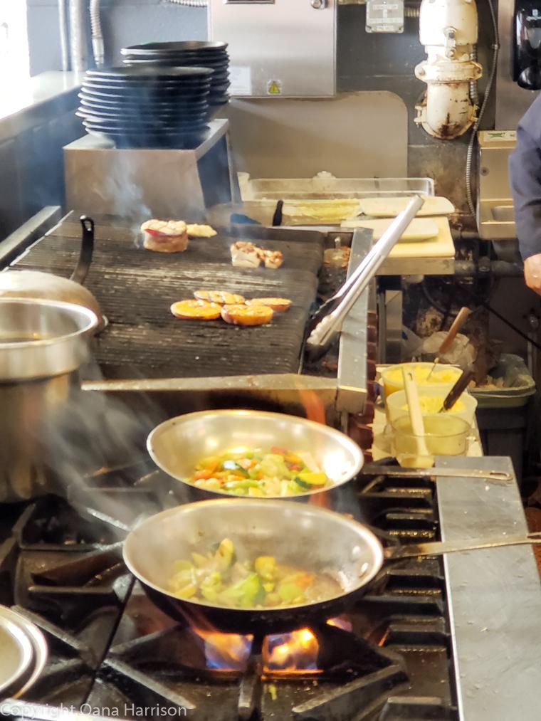 Local-Ocean-Newport-OR-hot-food-cooking