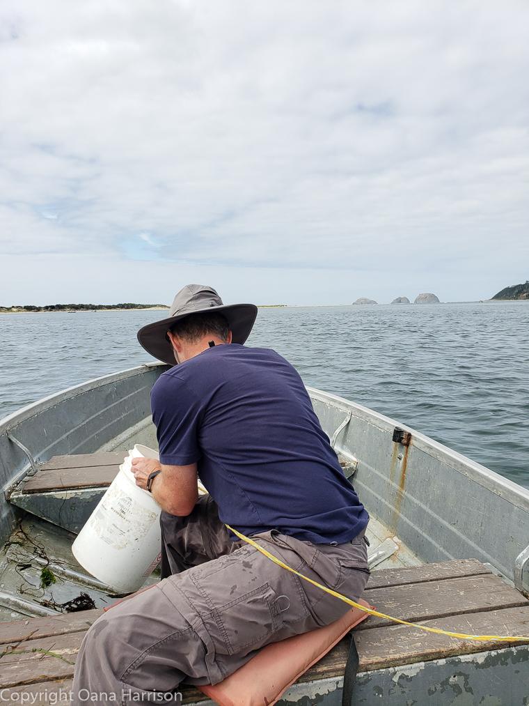 Netarts-Bay-OR-Crabbing-7-David-boat