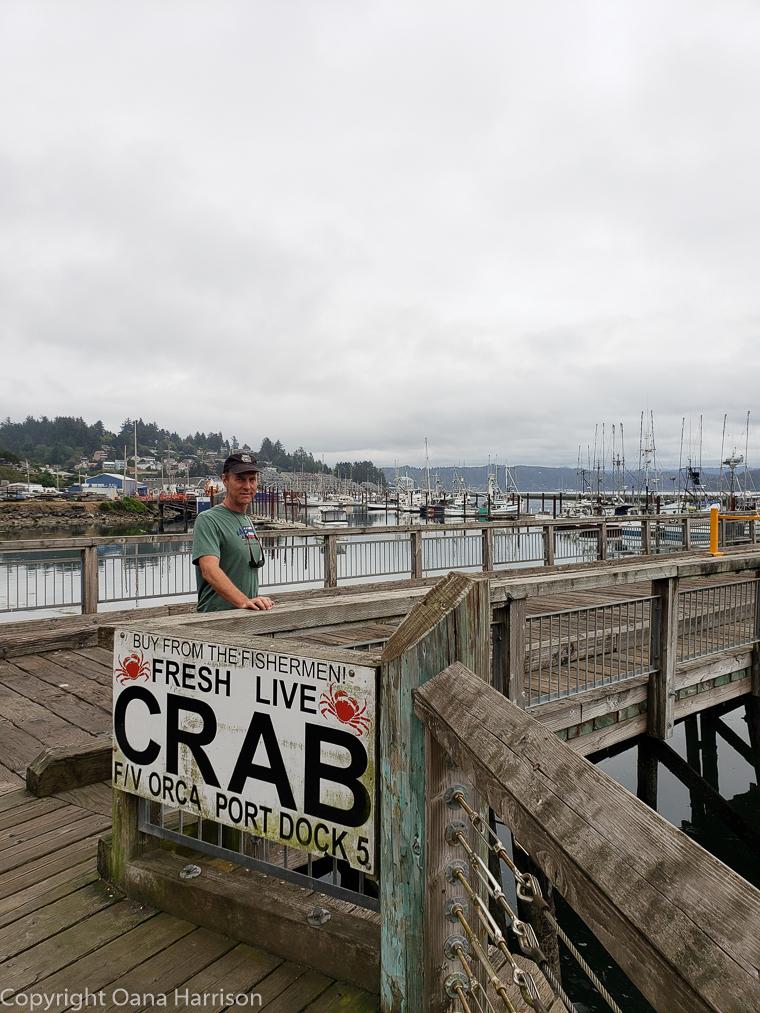 Newport-OR-David-by-fresh-crab-sign