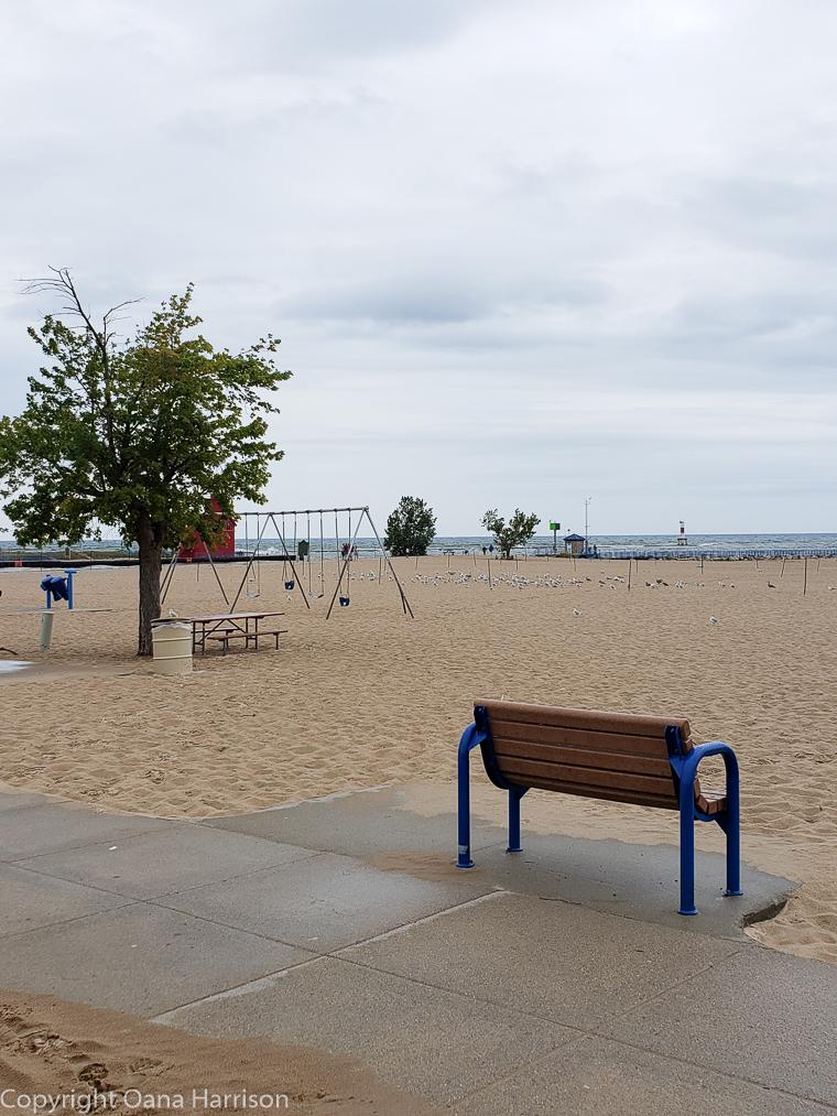 Holland-State-Park-Michigan-bench-on-beach