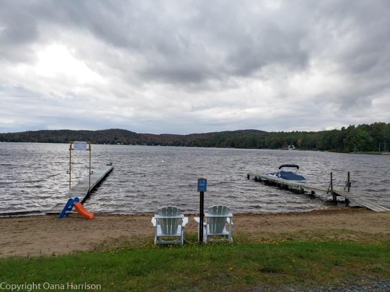 Royal-Mountain-NY-lakeside-chairs