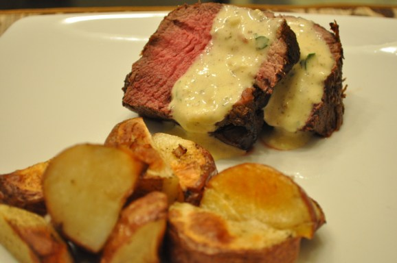 Beef tenderloin with Béarnaise Sauce