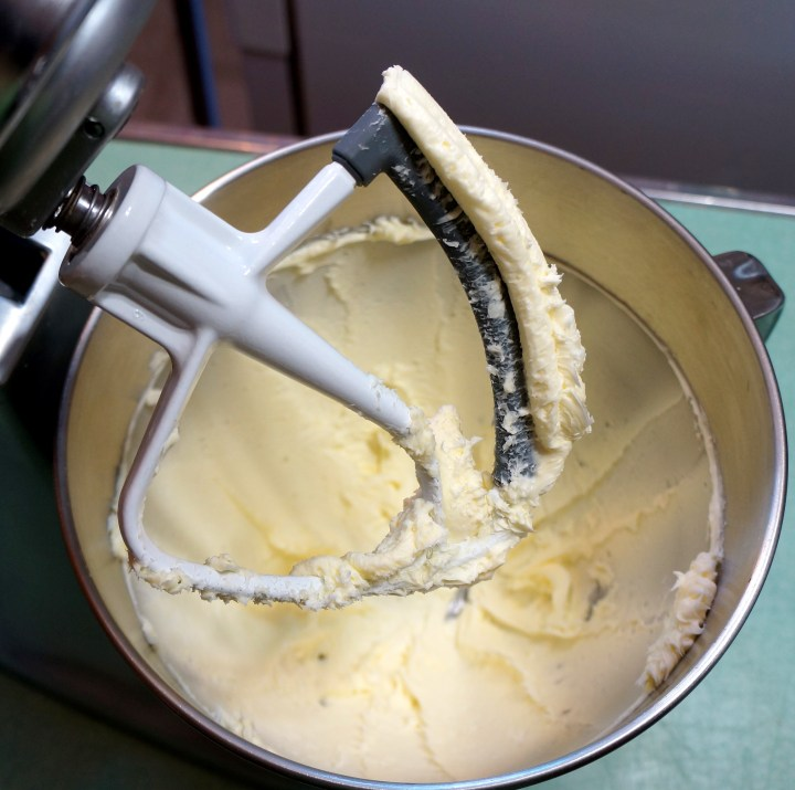 Whip the butter briefly in the stand mixer.