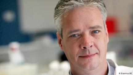 How Ron Fouchier Created A Mutant H5N1 Virus
