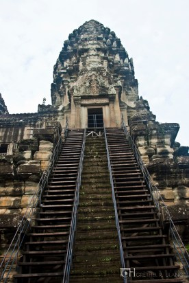 I heard from one tourist that this used to be open for the people to climb.