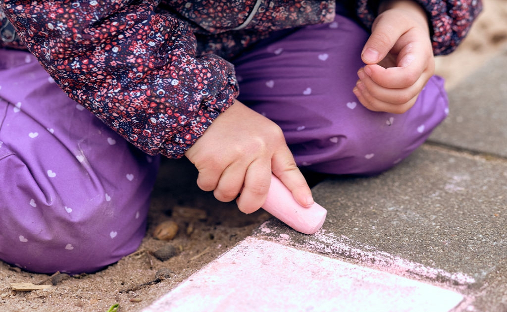 chalk to get rid of ants at home