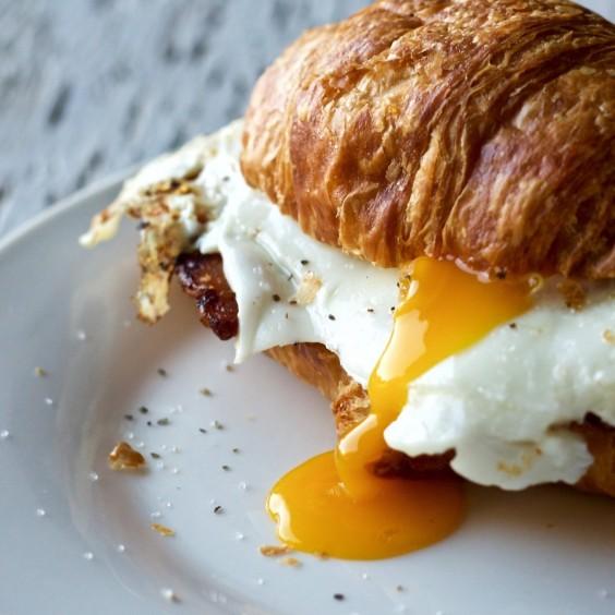 Breakfast Bagel Sandwich No Meat