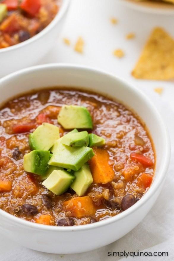 Detox Recipes: Sweet Potato Black Bean Quinoa Chili
