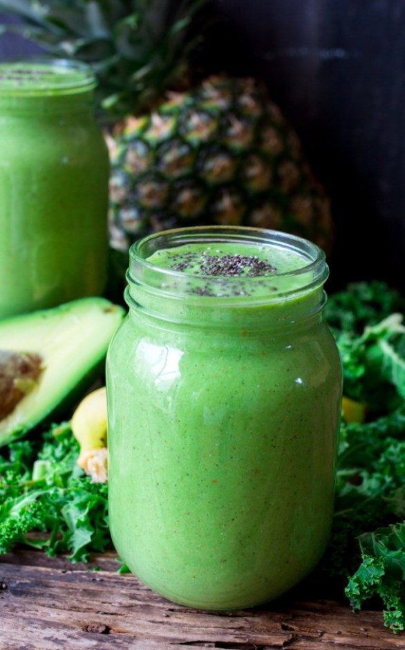 Detox Recipes: Pineapple Avocado Smoothie