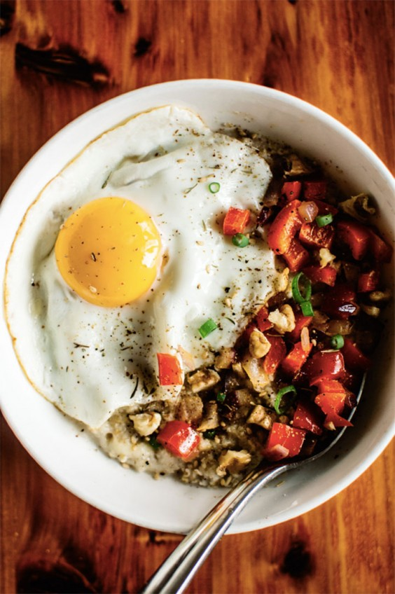 Savory Oatmeal With an Egg