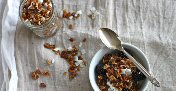 Healthy Breakfast Recipe: Coconut Granola