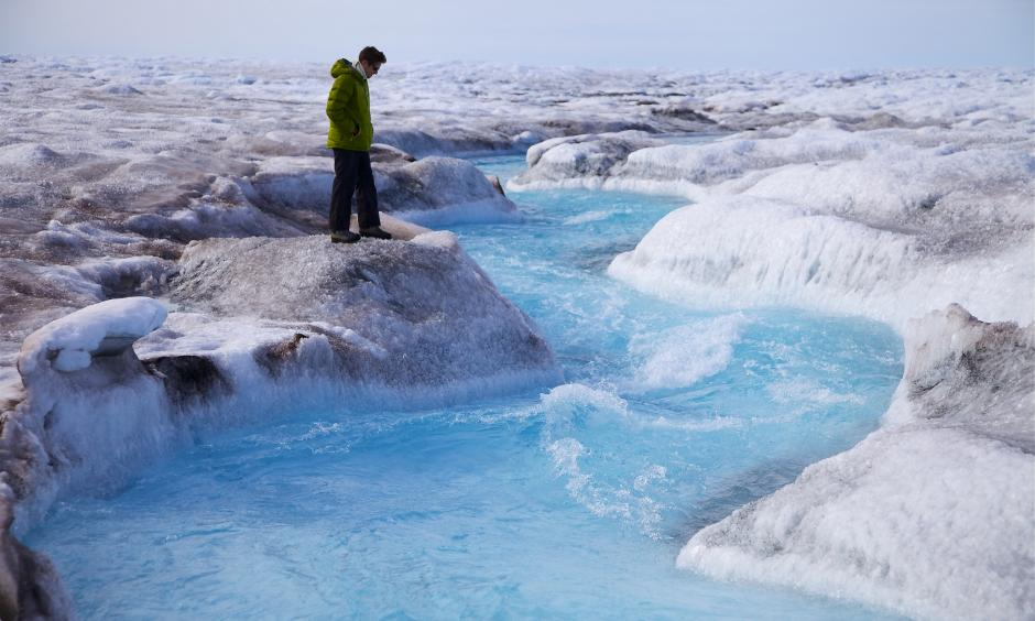 New Study Shows Just How Frighteningly Fast Greenland Is Melting