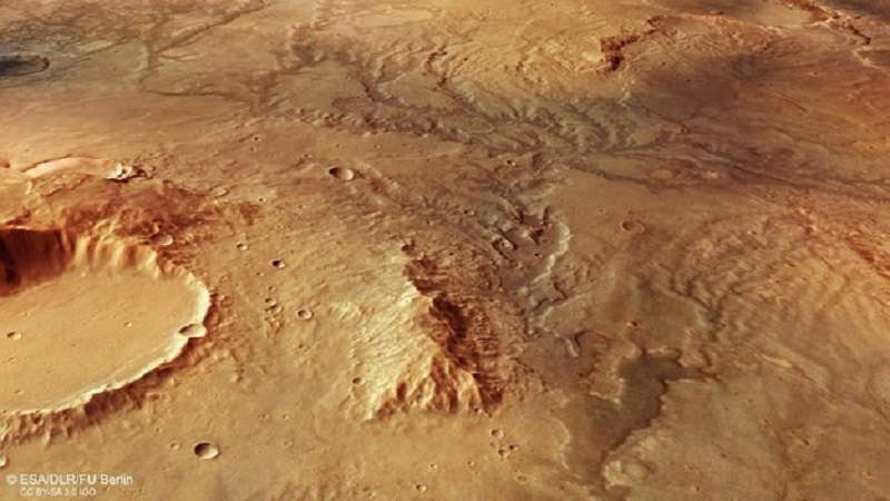 Parched Mars river valley looks surprisingly Earth-like