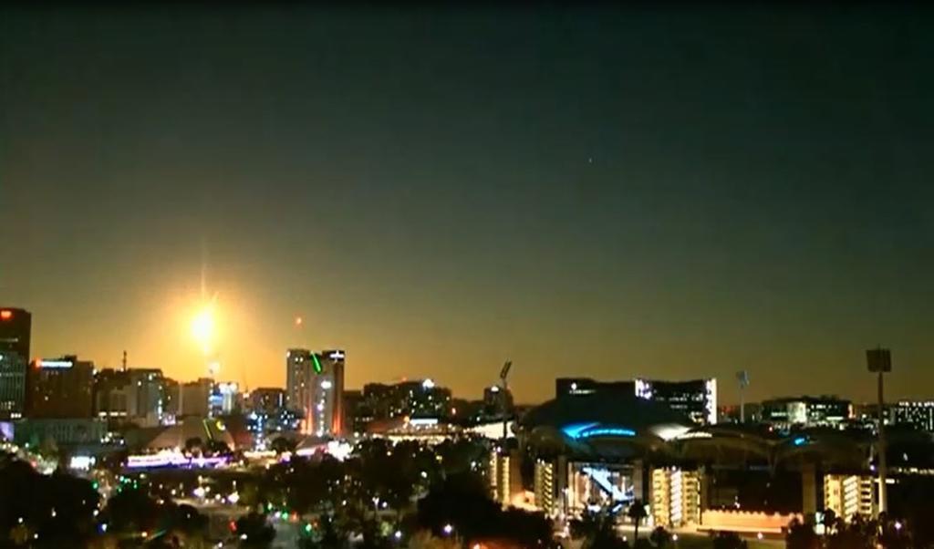 Meteor Lights Up Night Sky in Victoria
