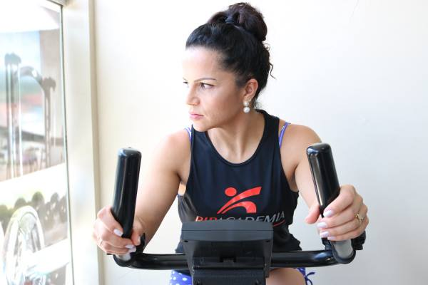 graduate-diploma-in-sports-and-exercise-science-ara-lady-in-gym-optimized-f