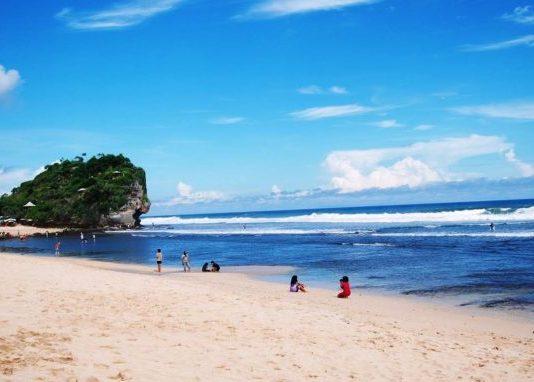 indrayanti beach yogyakarta