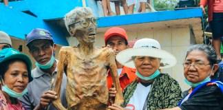 manene budaya mistis indonesia