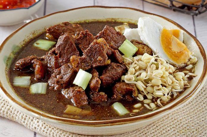 rawon kuliner tradisional indonesia