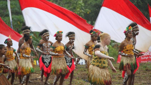 suku kamoro papua indonesia