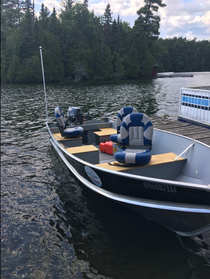 Our cottage and boat rental package allows you to explore Lake Temagami.