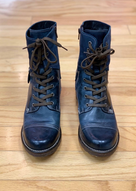$55 Sz 8.5 Frye Boot Navy