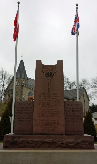 Rockwood cenotaph in front of St John's Church