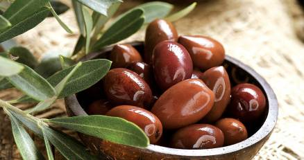 Kalamata olives: The healthiest in the world! - Greek Food News