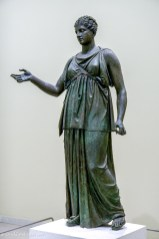Bronze statue of Artemis
