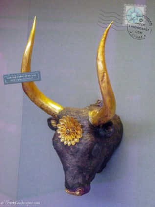 Mycenaeanrython in the shape of a bull's head
