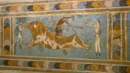 Fresco depicting a game of bull-leaping
