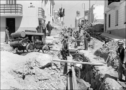 Αθήνα 1936. Τοποθέτηση αγωγού ύδρευσης