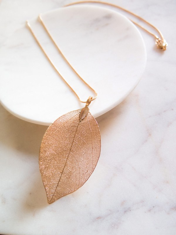 Leaf-Necklace-Gold