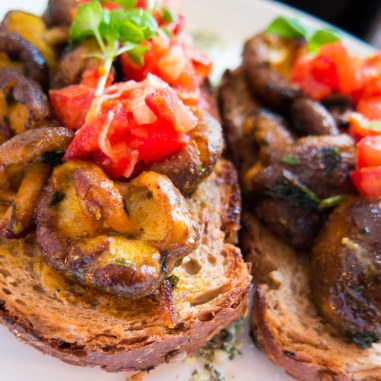 Meatless District Vegan Restaurant Amsterdam West Lunch Shiitake Bruschetta